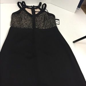 Women's New With Tags GUESS Dress 12